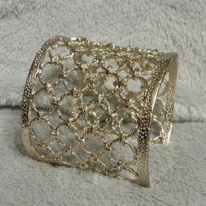 Jewelry - Gold Cuff Bracelet Circle rope design